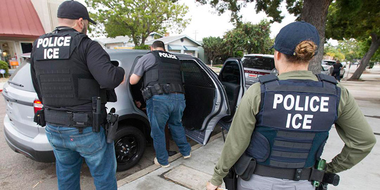 ICE y FBI usan licencias de conducir para investigaciones de reconocimiento facial
