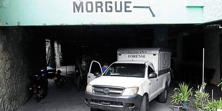"""Odir Fernández, del CNA, dijo que """"estamos investigando personas que  cobraban 4,000 lempiras por preparar cadáveres en morgue  del  HEU""""."""