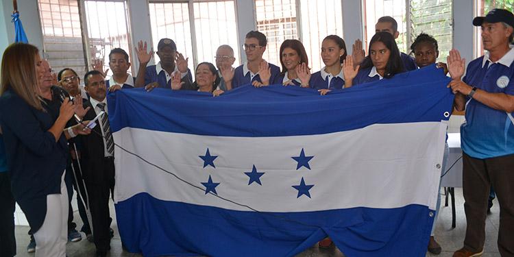 Los atletas que asistirán a los Juegos Panamericanos fueron juramentados ayer.
