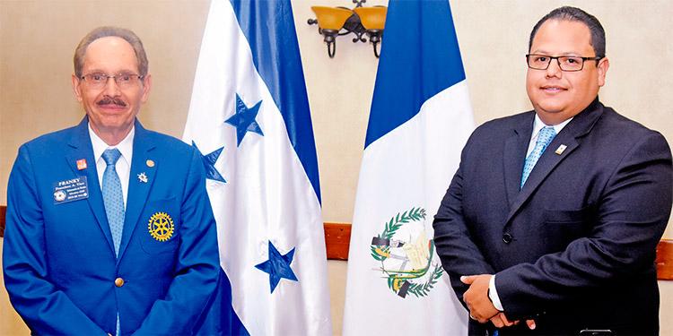 Francisco Viau y Roberto Salgado Lagos.
