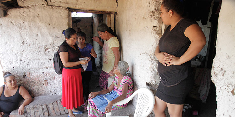 En varias familias de la comunidad se han diagnosticado entre dos y tres casos de malaria o paludismo.