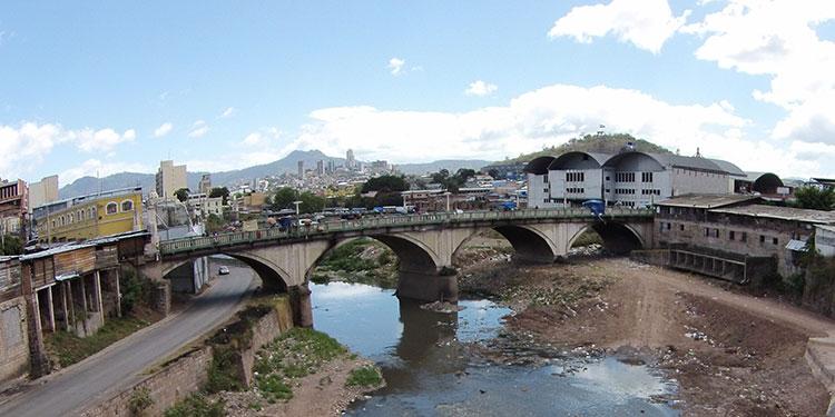 El proyecto de un parque lineal con aspectos preventivos a inundaciones formaría parte de una de los nuevos proyectos de la comuna capitalina.