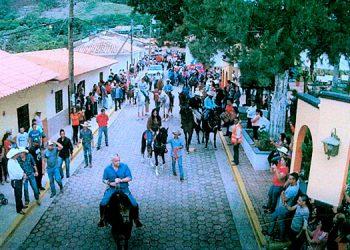 FIESTA. Entre los actos de la feria patronal de San Buenaventura, desde hoy viernes 12 al domingo 21 de julio próximo, destacan desfiles hípícos y de carrozas.