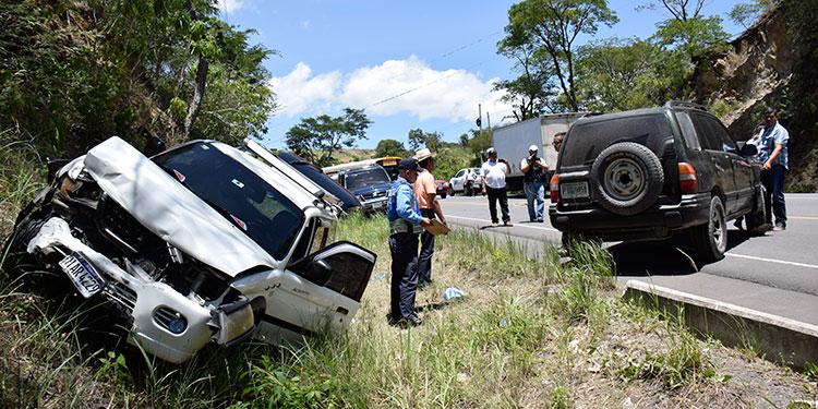 El choque vial ocurrió en la carretera hacia el departamento de Olancho, cerca del desvío a la comunidad de Las Flores, Francisco Morazán.