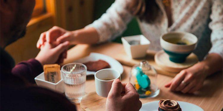 Según Estudio Algunas Mujeres Aceptan Citas Para Comer
