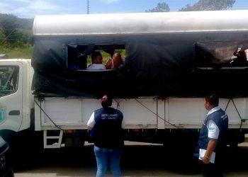 """Bajo fuerte dispositivo de seguridad fueron trasladados los reos desde Támara hacia la cárcel de máxima seguridad de """"La Tolva"""" o """"El Pozo II"""", ubicada en Morocelí, El Paraíso."""