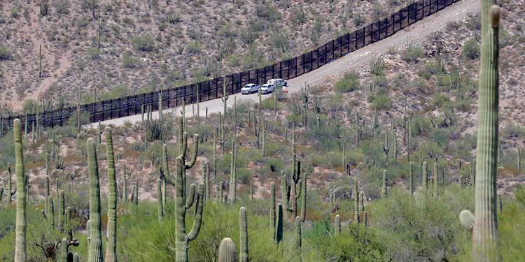 Más de 23000 detenidos o devueltos en la frontera sur de EEUU