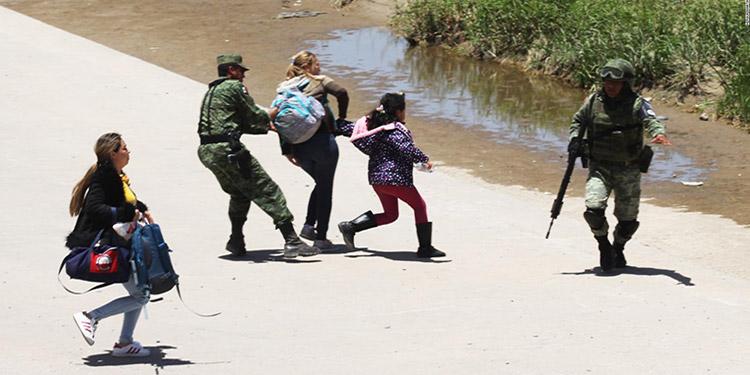 De entrada el gobierno de México envió a 6,000 elementos de la Guardia Nacional a la frontera con Guatemala y reforzó los controles en el borde fronterizo con Estados Unidos.