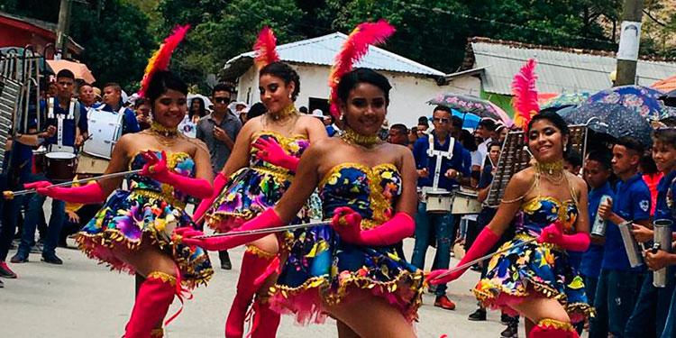 Las palillonas en Alauca fueron la atracción de los pobladores.