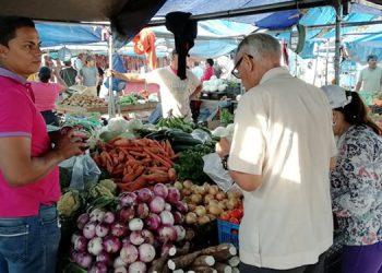 """Para este fin de semana se mantienen los precios en las ferias """"El Lempirita"""" y Banasupro."""