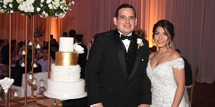 Abner Laitano y Pamela Estrada.