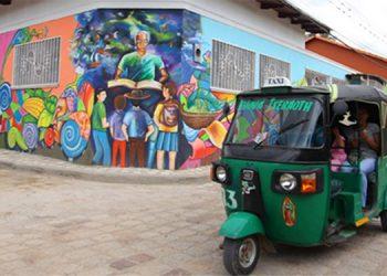 Balnearios, comida, música, baile y arte les espera a turistas que visiten Cantarranas.