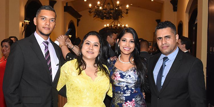 Marco Sosa, Jessica Flores, Lauri Espinal, Rubén Ordóñez.