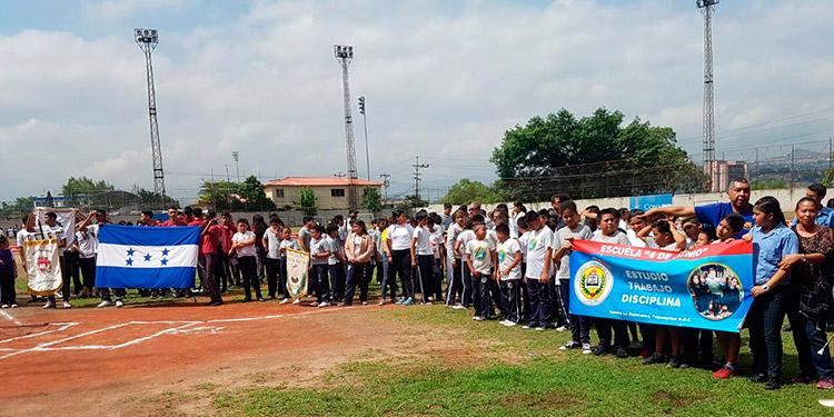 Ayer fue inaugurado el quinto torneo de béisbol y softbol Banco Atlántidad.