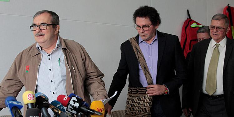 """Los jefes de la exguerrilla FARC reconocieron el lunes su """"responsabilidad ética y política"""" por miles de secuestros en Colombia."""
