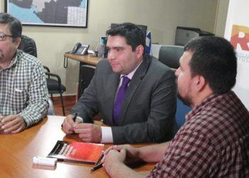 Rolando Kattán (centro), representante del Partido Nacional.