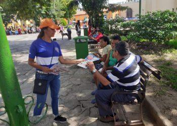 Personal de Copeco y Salud fue desplegado este viernes por Comayagua para eliminar criaderos y orientar a la población.