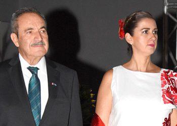 Embajador David Jiménez González y su esposa María Luisa Gómez.