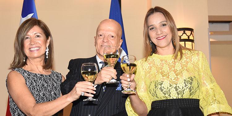 Mónica Aguirre, Enrique Barriga, Nelly Jerez.