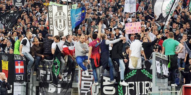 Los líderes de las barras de la Juventus fueron detenidos por presunta extorsión, lavado, violencia y amenazas.