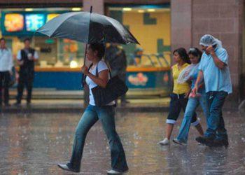 Este sábado habrá chubascos, lluvias y tormentas en todo el territorio nacional.