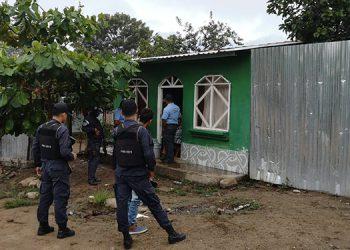 Elementos de la Policía Nacional y el MP ejecutan allanamientos en varias zonas de Danlí, como parte de la operación Odiseo IX.