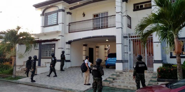 La 'Operación Sky' inició con el aseguramiento de lujosas viviendas en La Ceiba.