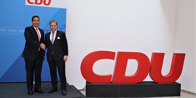 Reinaldo Sánchez, presidente del Partido Nacional, visitó este miércoles la sede del Unión Demócrata Cristiana (CDU).