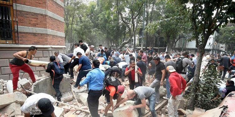 El 19 de septiembre de 2017 un terremoto de 7,1 sacudió México y mató a unas 370 personas. El de 1985 dejó 10,000 víctimas.