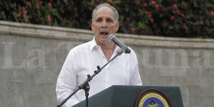 Nasry Asfura, alcalde de la capital.