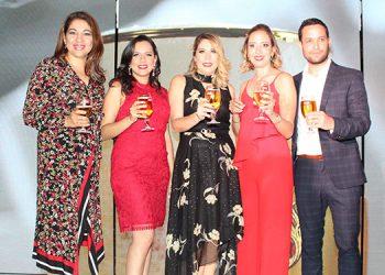 Karla Avila, Karen Osorio, Carolina Perezdiez, Paola Bondy, Kevin García.