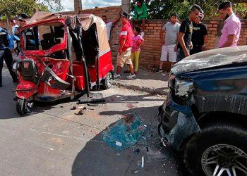 Supuestamente el exceso de velocidad con que se conducen las mototaxis provocó el choque.