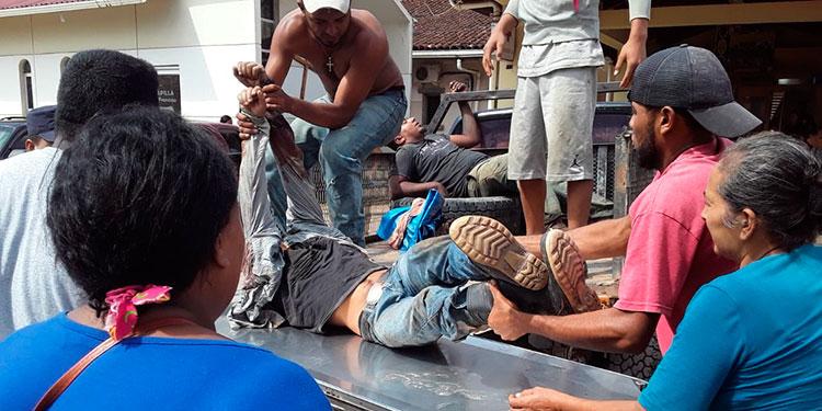 Durante la emboscada otras dos personas resultaron heridas, una que quedó en estado de salud reservado.