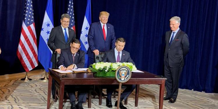 Honduras firma acuerdos de seguridad con Estados Unidos