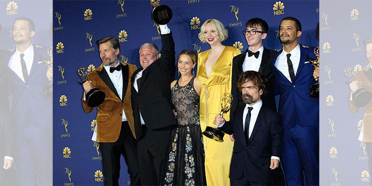 Diversa y colorida la alfombra morada de los premios Emmy 2019