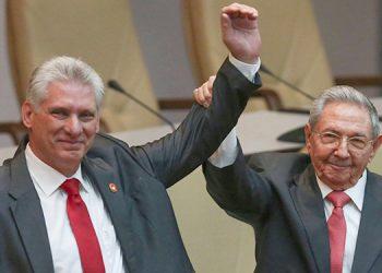 El Parlamento de Cuba, tal y como se esperaba, designó el jueves presidente de la República al actual mandatario, Miguel Díaz-Canel, en cumplimiento de la nueva Constitución de la isla.