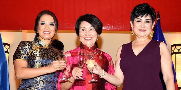 Olga Alvarado, Ingrid Hsing, María Antonia Rivera.