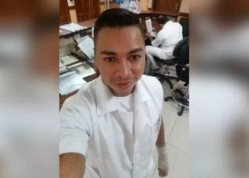 Carlos Roberto García Chirinos  era enfermero desde hace pocos meses en el Hospital Militar.