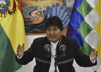 "Bolivia's President and presidential candidate Evo Morales speaks during a press conference at the Casa Grande del Pueblo (Great House of the People) in La Paz, on October 23, 2019. - President Evo Morales of Bolivia on Wednesday likened a general strike called to protest his apparent re-election victory a right wing ""coup d'etat."" (Photo by AIZAR RALDES / AFP)"