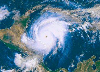 El huracán Mitch azotó a Honduras hace 21 años y a pesar de la enorme destrucción causada, Honduras se levantó.