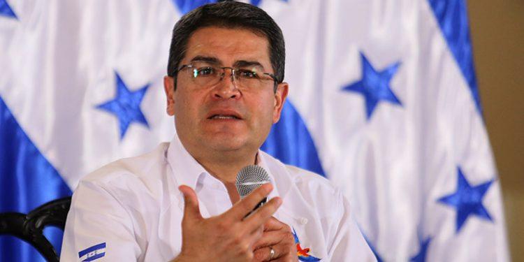 Testigo: expresidente hondureño Lobo recibió sobornos