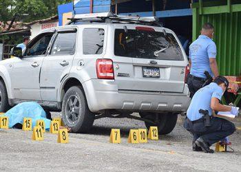 En la escena se contabilizó al menos 20 casquillos de arma de fuego.