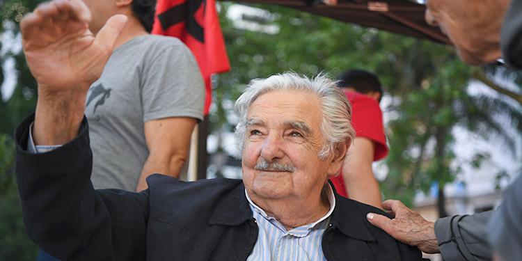Mujica confirma que dejará la política