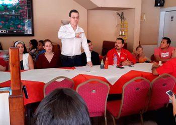 Aquí con dirigentes del Distrito 15, de Comayagüela.