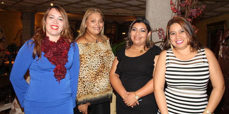 Eva Medina, Wendy Castellanos, Lia Henriquez, Cindy Romero.