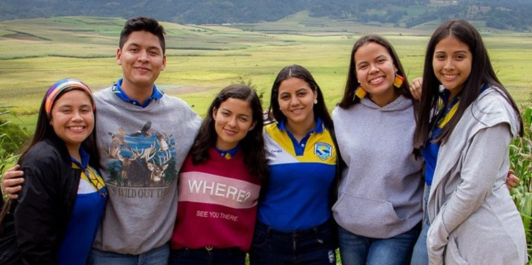 Daniela Martínez, Jorge López, Ana Díaz, Heyli Cruz, Victoria Sierra.
