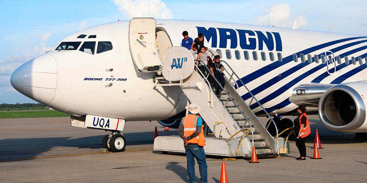 """129 hondureños venían en el primer vuelo """"exprés"""" desde Matamoros, México."""