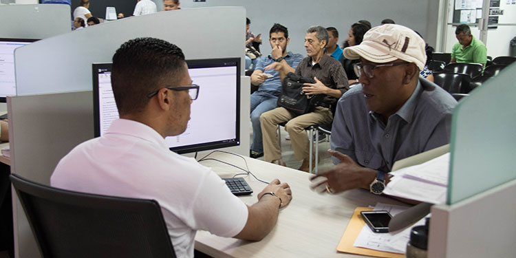 Empresarios cuestionan que pagan los impuestos más altos en la región.