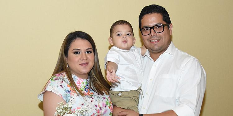Rebeca Tercero, Adrián Zalavarría, Yester Zalavarría.