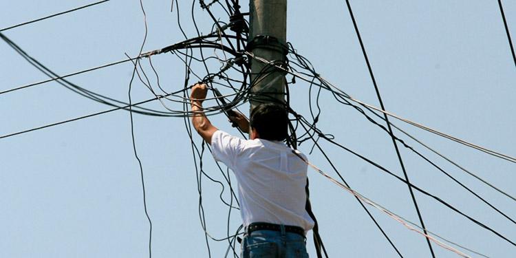 Según estimaciones, la estatal eléctrica pierde hasta 240 millones de kilovatios, eso representan $50 millones mensuales a causa del robo de energía.